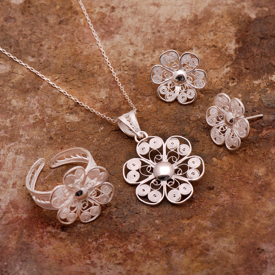boutique jewelry set store product silver filigree ottoman daisy