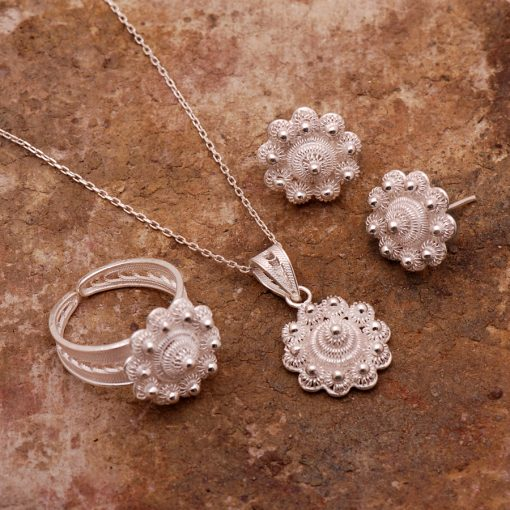 Daisy Filigree Silver Set